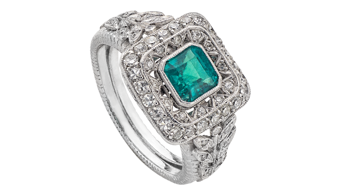 VSS526 | C20th. 18ct White Gold. An Emerald & Diamond set Ring (E. Est.: 0.95ct, D. Est.: 0.62ct)